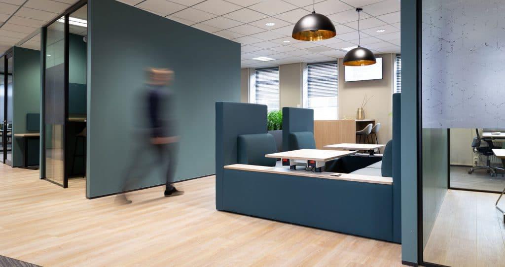 Voorkom echo en geluidsoverlast op de kantoorvloer